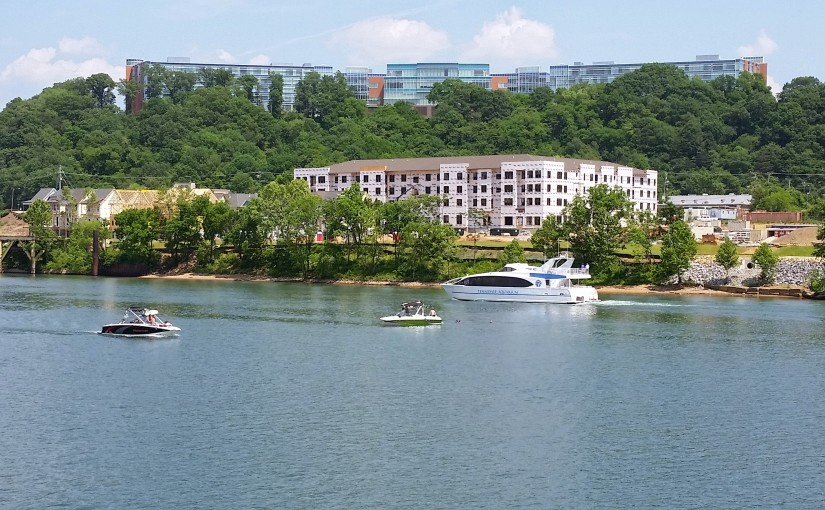 A Tennessee River Cruise InChattanooga
