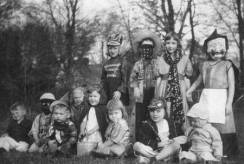 vintage-halloween-costumes-28
