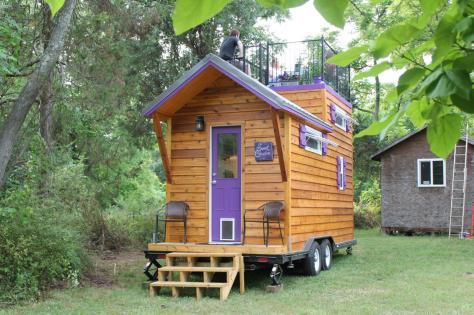 hthbl106h_tiny-house-purple-door_h-jpg-rend-hgtvcom-1280-853
