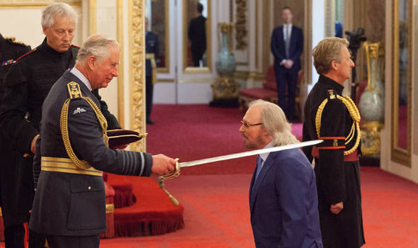 Singer-and-songwriter-Barry-Gibb-is-knighted-by-the-Prince-of-Wales-979810