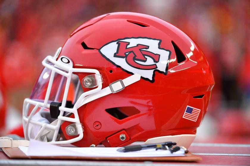 5bc683a2-ce2a-43ad-87cb-ca8dda65021a-USP_NFL__Oakland_Raiders_at_Kansas_City_Chiefs